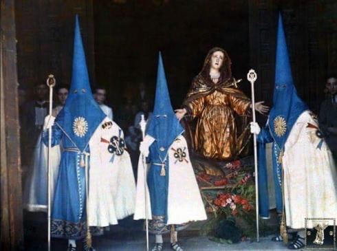 Valioso documento gráfico donde puede verse a la Virgen de la Soledad tal y como la talla se encontraba en 1929. (Foto: Jules Gervais-Courtellemont)