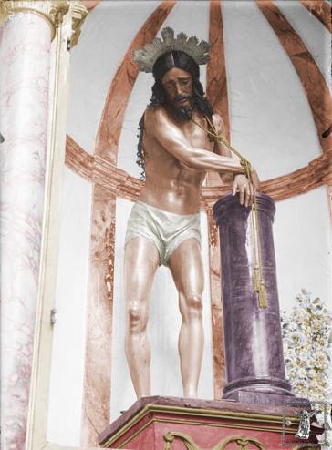 El antiguo Cristo de la Columna en su altar de la iglesia del Merced (Foto original: Ricardo de Orueta, ca. 1913 / fotocoloreado del autor)