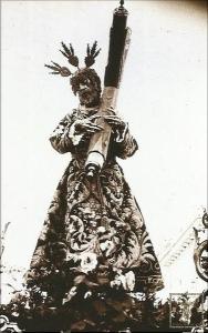 Jesús de la Salud luciendo la túnica bordada atribuida a Juan Manuel Rodríguez Ojeda. (Foto: Haretón)
