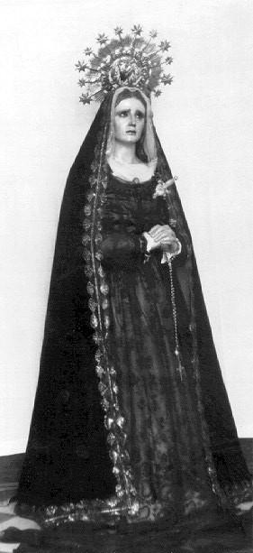 La Virgen de las Lágrimas tal y como debía recibir culto diario en la iglesia de los Mártires.