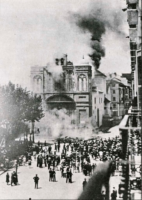 La desaparecida Iglesia de la Merced fue destruida hacia las 10 de la mañana del 12 de mayo.