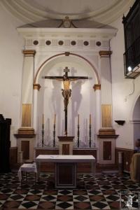 El Crucificado del Císter presidiendo la Iglesia de Santa Ana,