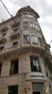 En este edificio de Strachan se estableció la empresa de la familia Creixell