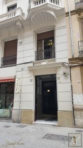 Portal del número de la antigua calle de Santo Domingo, actual de Sebastián Souviron.