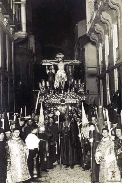 El Cristo de la Exaltación sobre su trono ya de regreso a la iglesia de San Juan en 1922. (Foto: Francisco Sánchez)