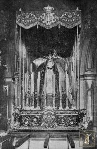 Trono de la Virgen del Mayor Dolor en el interior de San Juan hacia 1921.